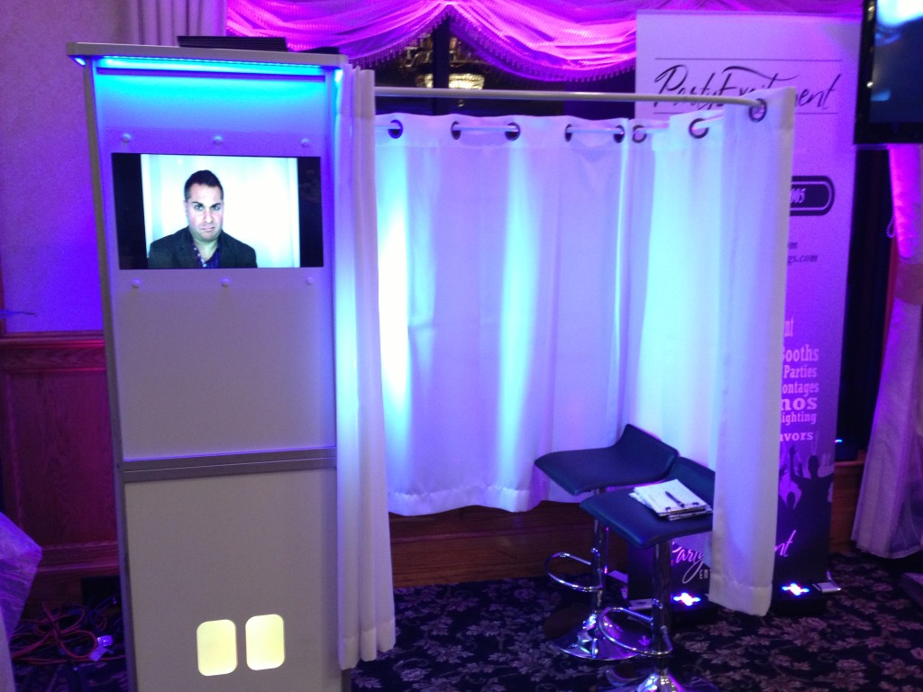 How to Choose Between Photo Booth Rentals