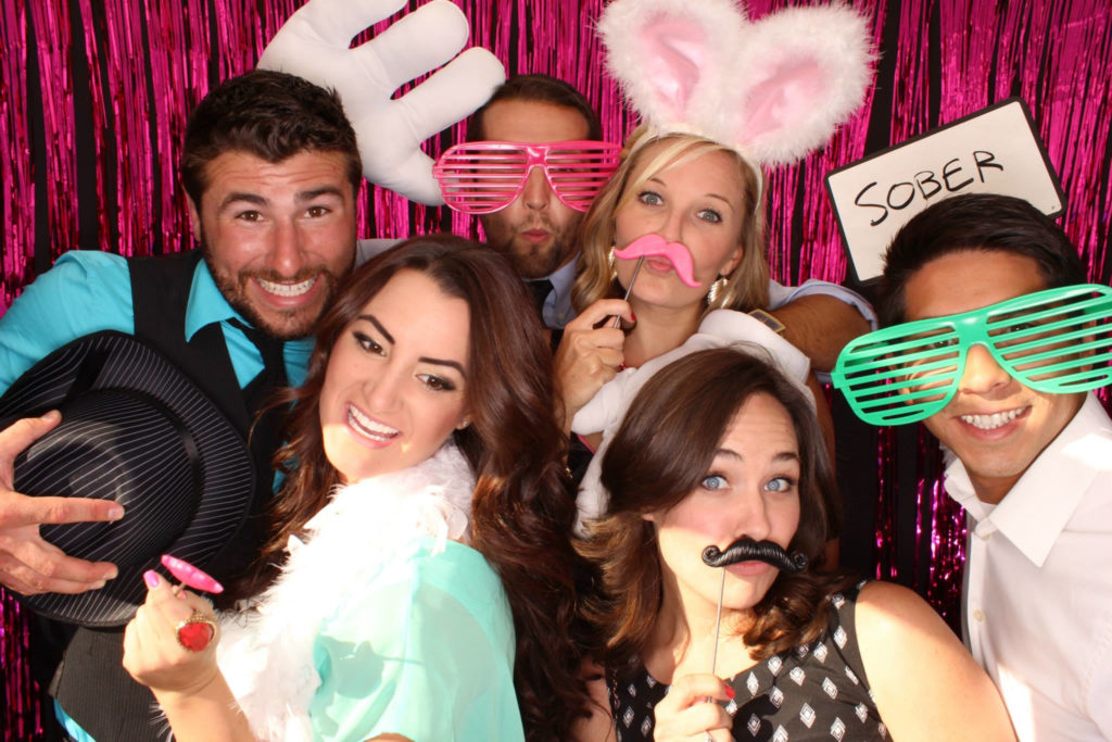 4 Reasons to Rent a Photo Booth for Your Wedding Reception
